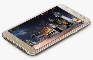 Review Samsung Galaxy J7. It is time the front flashes