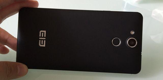 Review smartphone Elephone Pioneer P7000
