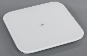 Review Xiaomi Mi Smart Scale: cheap smart scales for family use
